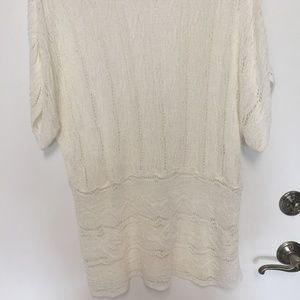 LINEN WHITE WEAVE LINEN SWEATER TOP. Coldwater Cr